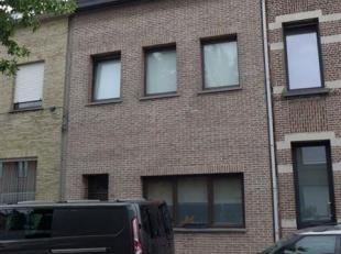 Eigendom ingedeeld in 3 appartementen op de Matheus Corvensstraat 26 te 2100 Deurne.  Indeling: Glv 2 slpks en stadstuin (bewoond door de eigenaar), 1