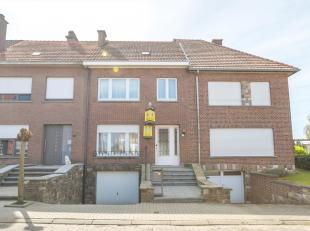 Deze woning is rustig gelegen in een doodlopende straat, toch vlakbij het centrum van Tienen en makkelijk bereikbaar via E40, trein of bus. De woning