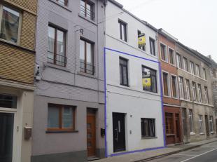Volledig gerenoveerd gelijkvloers duplexappartement van 110m² gelegen in het centrum nabij alle voorzieningen en met vlotte verbinding autosnelwe