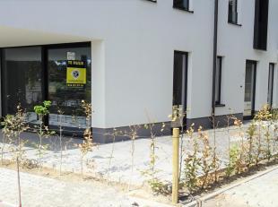Dit nieuwbouwappartement is op zoek naar eerste bewoner en is bovendien zeer goed gelegen in het centrum van Tienen. Makkelijk bereikbaar via E40, tre