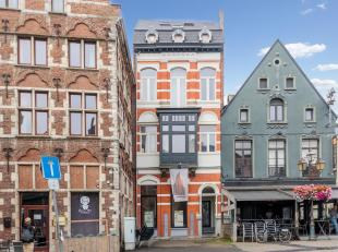 Op een topligging in het centrum van Tienen ligt dit volledig gerenoveerd opbrengsthuis met een verhuurde handelszaak op het gelijkvloers en 3 apparte
