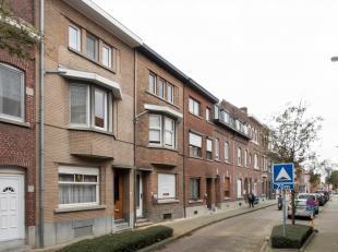 Zeer ruime goed onderhouden burgerwoning gelegen nabij het centrum. Ideale woning voor gezinnen die een woning zoeken met 4 slaapkamers. Het pand heef