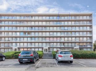 Dit appartement op de 6de verdieping heeft een grote leefruimte met veel lichtinval en een zuidgericht terras met een spectaculair zicht op de stad en