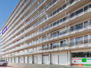 Luxueus appartement op de 8ste verdieping met lift in het stadscentrum binnen de kleine ring. Het appartement omvat: inkom, berging, apart toilet, bad