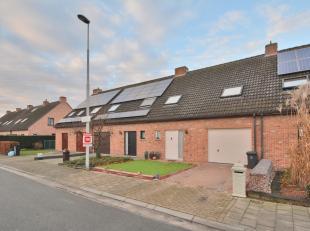 Deze woning is gelegen in een rustige straat zonder doorrijdend verkeer, vlakbij het centrum van Wondelgem. De woning werd opgeleverd in 1995 en is st