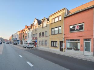 Deze gerenoveerde woning is gelegen aan de Gentste binnenring op 500m van de Bourgoyen en vlakbij de halte bus 3 met aansluiting naar het centrum van