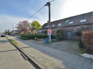 Deze instapklare woning is gelegen op 5 mintuten van Wondelgem centrum met in de de directe omgeving winkel gelegenheid en openbaar vervoer. Het gelij