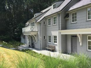 Cest un bien rare que nous proposons à la location, une villa récente située dans un des plus beaux quartiers résidentiels