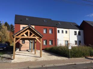 """Dans un tout nouvel ensemble résidentiel, nous proposons cette maison """" prête à vivre"""" Toute proche des commerces et à pied"""