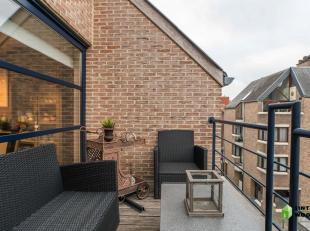 Instapklaar appartement in hartje Sint-Truiden<br /> - bewoonbare oppervlakte: 92m²<br /> - terrasoppervlakte: 13m²<br /> - instapklaar<br /