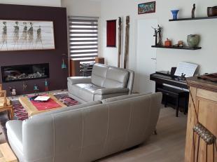 Spacieuse maison moderne de 6 chambres entièrement rénovée située dans quartier résidentielle à quelques min