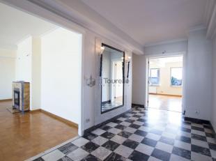In het hart van Brussel, op het Margueritteplein, naast het Ambioripleinx en de EU wijk (Metro Shuman), mooi appartement +/- 140 m² gelegen op he