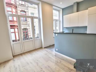 LOUISE / PLACE STEPHANIE: Prachtig appartement op de 1e verdieping van ± 80m² bestaande uit: inkomhal, woonkamer, keuken, slaapkamer, douc