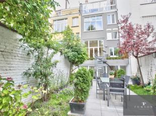 CINQUANTENAIRE - A voir absolument !! Magnifique maison bruxelloise de ± 500 m² et entièrement rénové et comprenant :