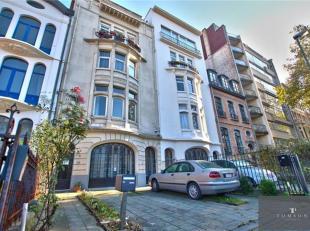 // EXLUSIVITE TOMSON // DIAMANT : Splendide Maison / Duplex de ±240m² comprenant : Hall d'entrée, spacieux living / salle à