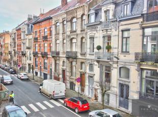 CHATELAIN-BRUGMANN - COLOCATION ACCEPTEE -,Superbe maison de caractère de ± 220 m² et comprenant : un hall d'entrée, un salo