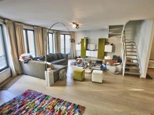 // EXCLU TOMSON // PLACE STEPHANIE : Splendide duplex de ±150m² comprenant : Hall d'entrée, living / salle à manger, cuisine