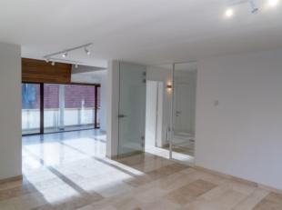 // PHOTOS EN ATTENTE // STOCKEL - A voir !! Dans petit immeuble batit en 2000, superbe appartement DUPLEX de ± 140 m² et comrpenant : hall