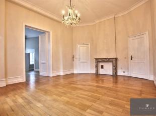 ETANGS D'ELSENE - LOUISE - In een luxe gebouw, mooi appartement op de 1e verdieping, in uitstekende staat en bestaande uit: woon- / eetkamer, volledig
