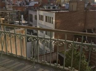 // PHOTOS EN ATTENTE // CINQANTENAIRE - Dans hôtel de maître, superbe appartement de caractère de ± 95 m² entièr