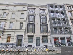 ANTOINE DANSAERT : Spldendide immeuble mixte actuelllement loué 16.500EUR/MOIS 198.000EUR/AN pour une partie de l'immeuble. Le reste de l'immeu