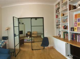 JOSEPHINE CHARLOTTE: Prachtig huis volledig gerenoveerd van ± 370m ² begrip: hal, garderobe, gastentoilet, woonkamer / eetkamer met schoor