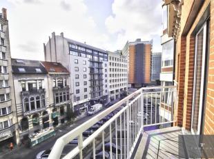 EUROPESE COMMISSIE / Schuman: 2 stappen van de Europese Commissie, mooi appartement van ± 110 m² bestaande uit: hal, grote woon / eetkamer
