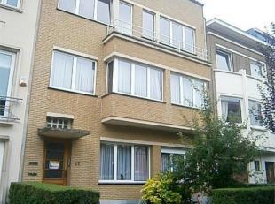 // PHOTOS EN ATTENTE // PROXIMITE MONTGOMERY - Dans petit immeuble, bel appartement PENTHOUSE de 100 m² et comprenant : hall d'entrée, sal