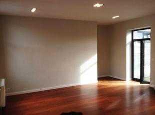 Park Duden / Hoogte Honderd. Mooi helder appartement volledig gerenoveerd. 2 slaapkamers, grote woonkamer met terras, ingerichte keuken, 1 badkamer, 1
