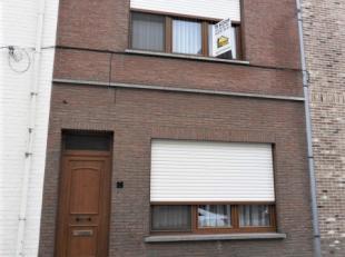 Goed onderhouden EENGEZINSWONING op 3 are met 3 slaapkamers,  mooie tui (z), garage met aparte toegang langs Grijpenveld. <br /> Indeling: inkom, liv