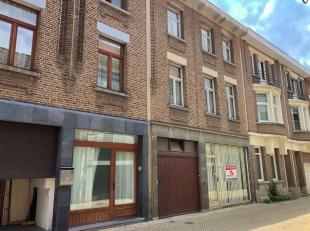 Te renoveren woning gelegen in het centrum van Boom op 800m van het station, slechts 600m van de A12 en op wandelafstand van winkels, scholen & op