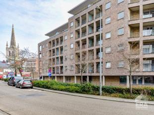 Mooi verzorgt appartement op de tweede verdieping (alles op 1 niveau) met 3 slaapkamers voorzien van massief eiken parket met groot terras en open zic
