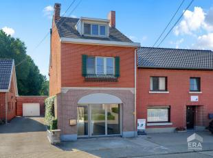 Bent U op zoek naar uw eigen huis voor een betaalbare prijs in plaats van te blijven huren? dan is deze volledig gerenoveerde woning met 2 (mogelijk 3