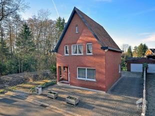 Mooi gelegen woning met 3 slaapkamers, garage en tuin te Testelt met prachtig vrij zicht vanuit de keuken.Bezoek Hier alvast deze woning virtueel binn