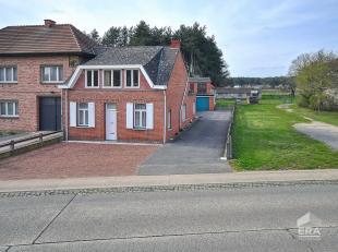 Te moderniseren woning met bijgebouwen en mooi open zicht, op 4 km van het station van Langdorp, bushalte op wandelafstand. Mooi stuk grond 27a61ca me