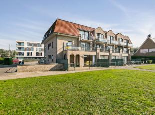 Instapklaar gelijkvloers appartement aan het strand.<br /> <br /> Residentie 'Duinendaele' herbergt een 16-tal entiteiten, waaronder dit instapklare 2