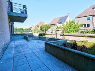 Visite virtuelle : https://my.matterport.com/show/?m=uCDS1satttb Sur la prestigieuse place de Wemmel, nous vous proposons ce magnifique appartement de