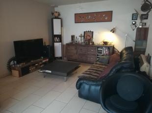 MONS INTRAMUROS - Très bel appartement 1 chambre à louer dans le centre de Mons. LOyer de 570euro + 50euro de forfait de charges. Inform