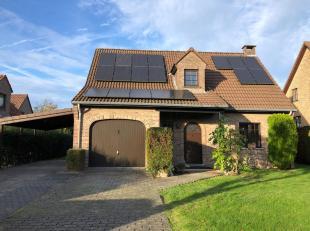 GHLIN, à 10 minutes de Mons, belle villa de 1987 dans un quartier très chic et calme de Ghlin. Terrain de 8 ares, 3 chambres, salle de b