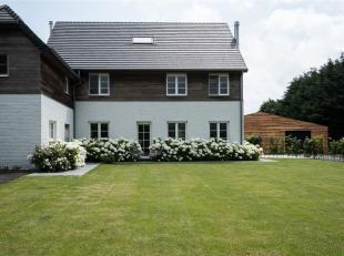 Landelijke instapklare woning op een perceel van 3162m² met een zuidgeoriënteerde tuin.<br /> Via de inkomhal kom je terecht in de bureau en