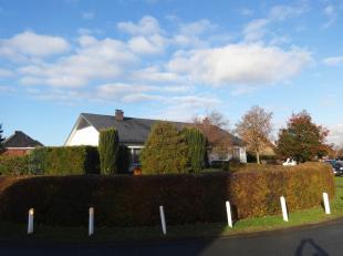 Ruime halfopen bebouwing te Kuringen.<br /> Deze woning heeft een bewoonbare oppervlakte van +/- 265 m² en bestaat op het gelijkvloers uit drie s