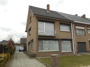 Deze HOB bestaat uit living, keuken, badkamer, toilet, veranda, 4 slaapkamers, garage, tuin, kelder en zolder met vaste trap.