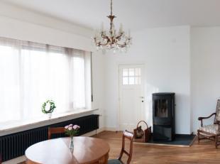 Deze mooie, totaal gerenoveerde (kantoor-) villa bestaat uit:<br /> - -1: volledig kelderverdiep met o.a. wijnkelder, voorziening wasmachine-droogkast