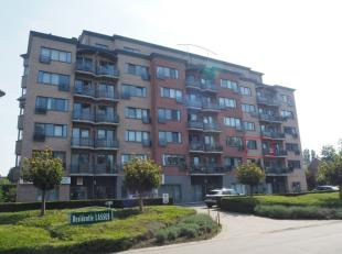 Beschikbaar 01.10.2019 - via online bezoekaanvraag op www.rzk.be <br /> <br /> Rustig gelegen appartement, in residentiële groene woonomgeving 'H