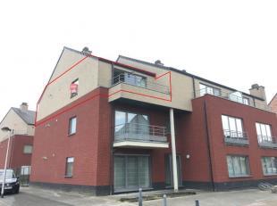 Onmiddellijk beschikbaar - te bezichtigen via www.rzk.be<br /> <br /> Appartement, 67 m², 2de verdiep, bestaande uit: inkomhal met vestiaire, liv