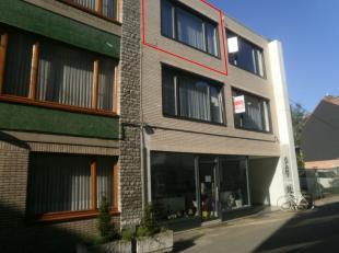Beschikbaar 01.10.2019 - te bezichtigen via online bezoekaanvraag op www.rzk.be <br /> <br /> Appartement, 76 m², 2de verdiep, bestaande uit: hal