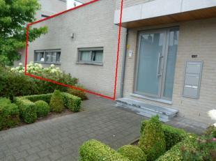 Beschikbaar 01.10.2019 - te bezichtigen via online bezoekaanvraag op www.rzk.be<br /> <br /> Appartement met veel lichtinval, 94 m², gelijkvloers
