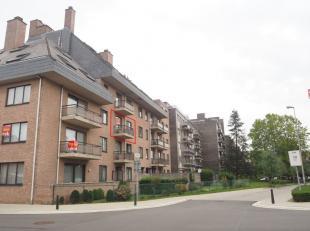 Onmiddellijk beschikbaar - te bezichtigen via online bezoekaanvraag op www.rzk.be.<br /> <br /> Zeer goed onderhouden appartement, 102 m², 2de ve