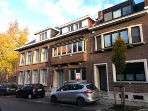 Vrij 01.12.2017 - te bezichtigen via kantoor.<br /> <br /> Woonhuis, 171 m², instapklaar, gelijkvloers, verdiep 1 en 2, met living, keuken (keuke