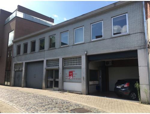 Entrepôt avec bureau à louer à Hasselt, € 2.500
